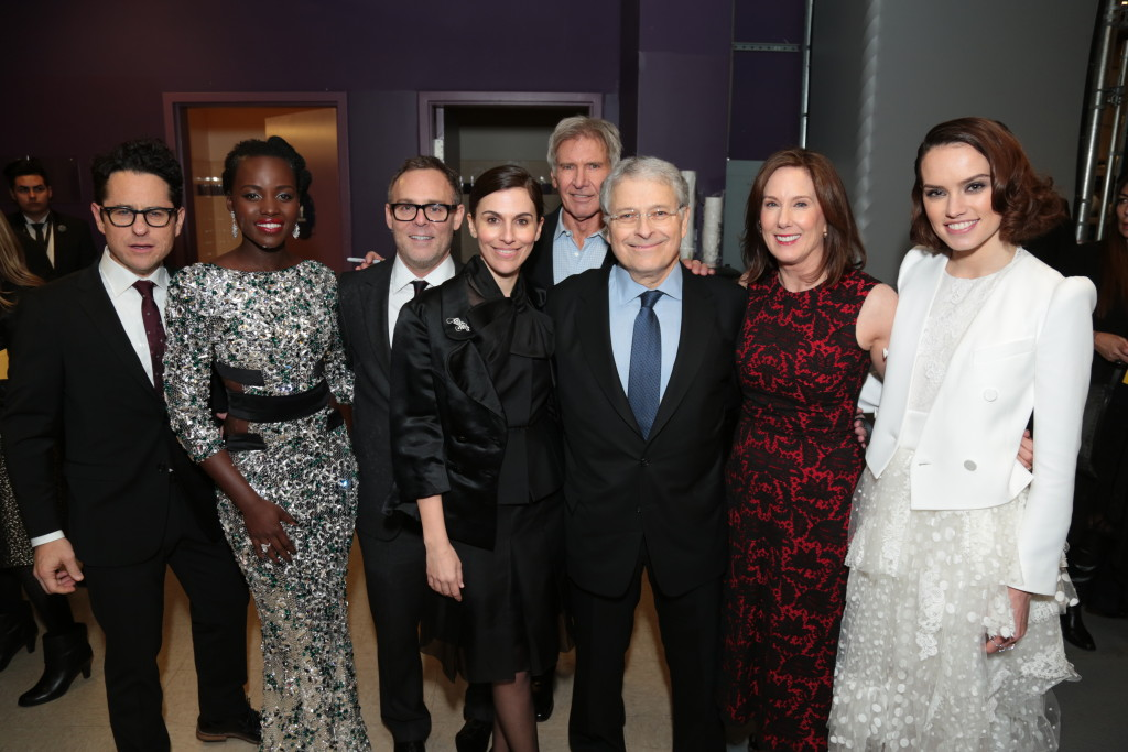 "J.J. Abrams, Lupita Nyong'o, Bryan Burk, Michelle Rejwan, Harrison Ford, Lawrence Kasdan, Kathleen Kennedy, Daisy Ridley pose together as Walt Disney Pictures and Lucasfilm's presents ""Star Wars: The Force Awakens"" World Premiere in Hollywood, California on Monday, December 14, 2015..(Photo: Alex J. Berliner/ABImages)"