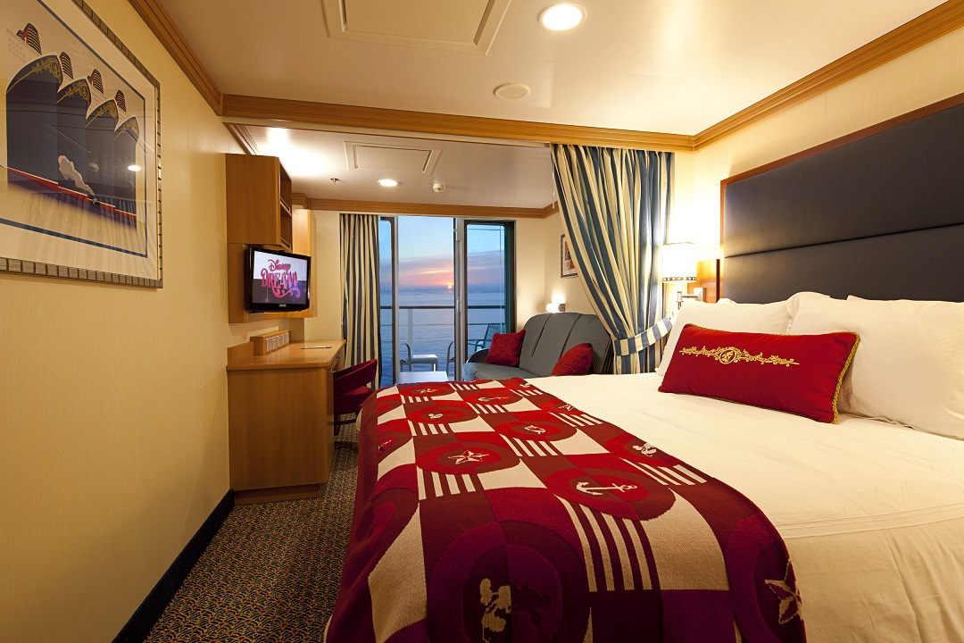DELUXE OCEANVIEW STATEROOM WITH VERANDAH ON THE DISNEY DREAM