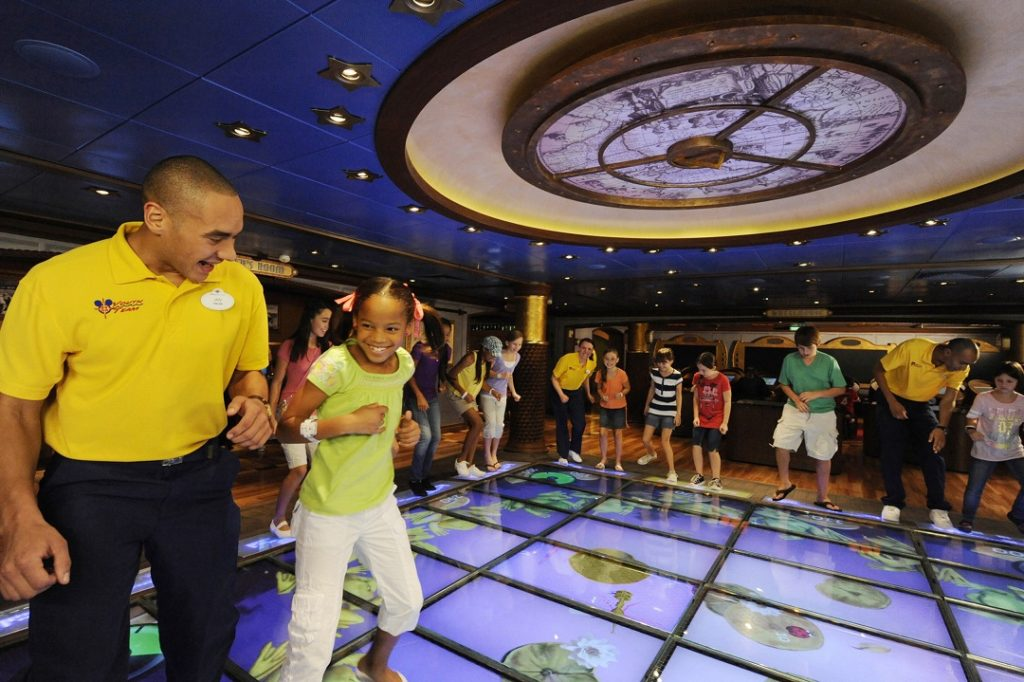MAGIC PLAYFLOOR IN DISNEY'S OCEANEER LAB ON THE DISNEY DREAM