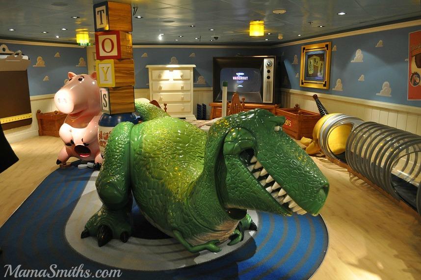Andy's Room inside The Oceaneer Club