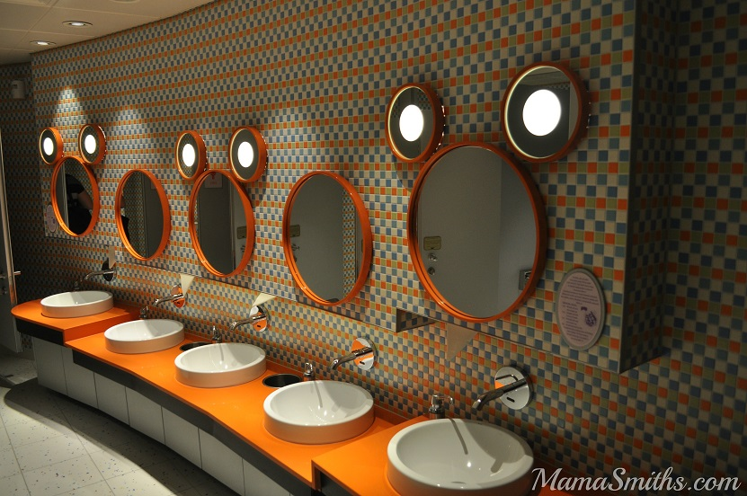 Oceaneers Club Bathroom
