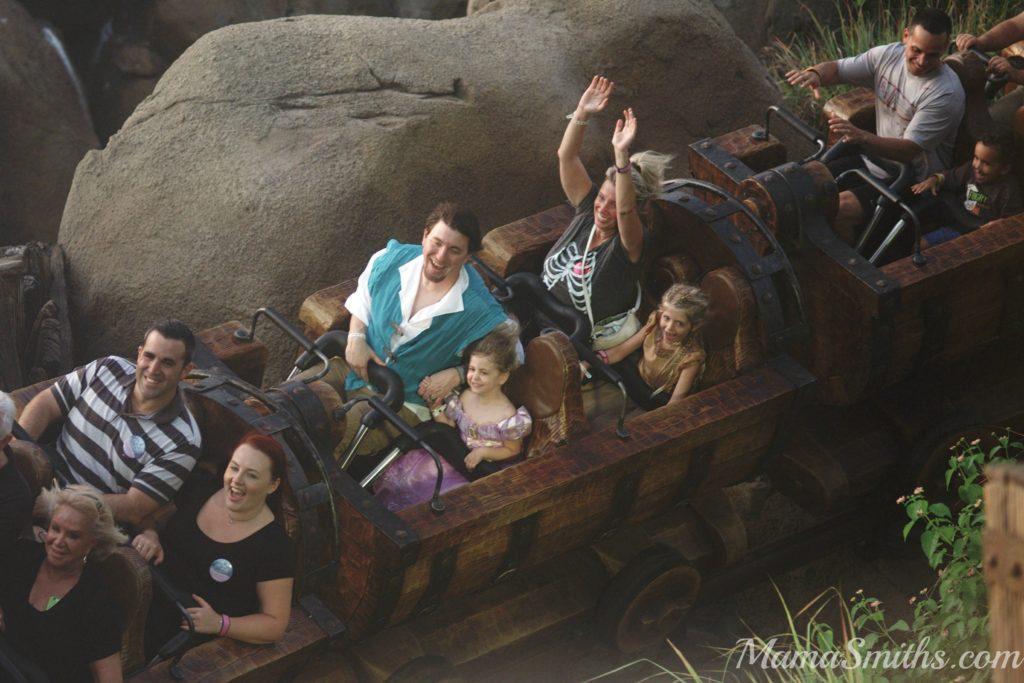Seven Dwarfs Mine Ride MNSHHP
