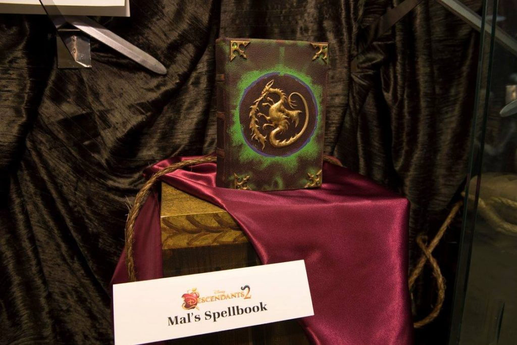 Descendants 2 Mal's Spellbook
