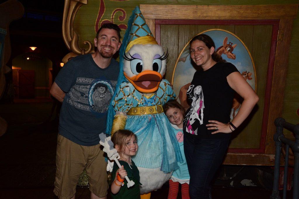 MNSSHP Daisy Duck in Halloween Costume
