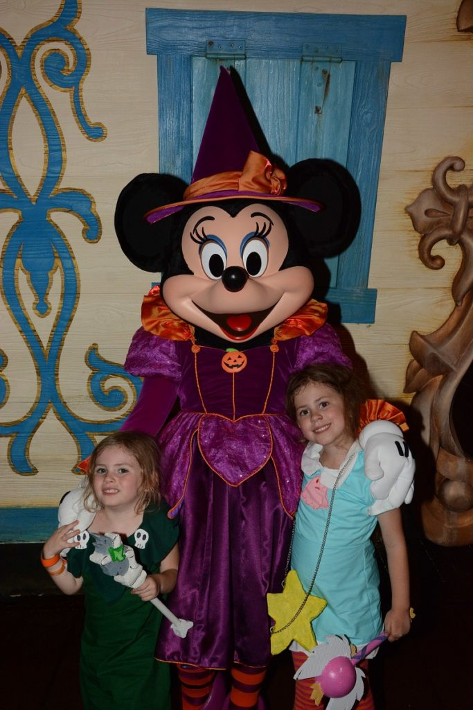 MNSSHP Minnie Mouse in Halloween Costume