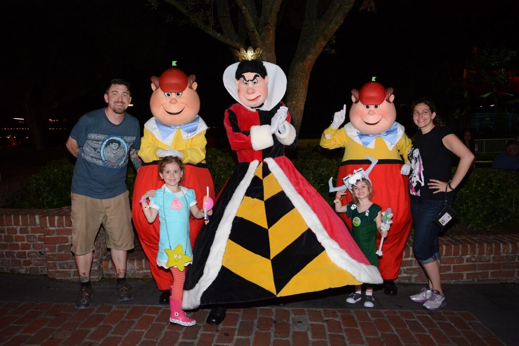 MNSSHP Queen of Hearts Tweedle Dee and Dum