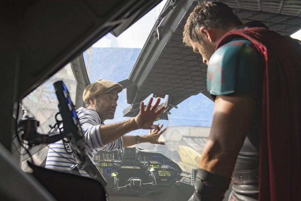 Taika Waititi Chris Hemsworth Thor Ragnarok Behind the Scenes