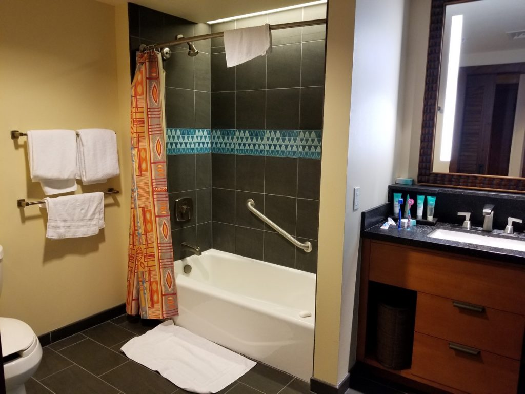 Polynesian Bathtub Bathroom