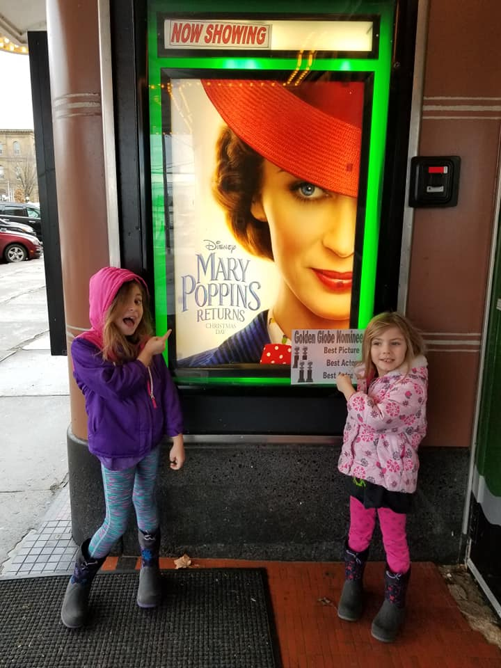 mary poppins returns theater