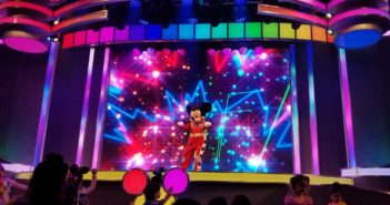 Roadster Mickey Disney Junior Dance Party Stage