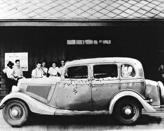 bonnie and clyde the highwaymen car