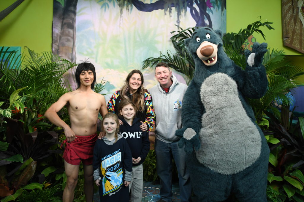 Baloo mowgli disney meet and greet