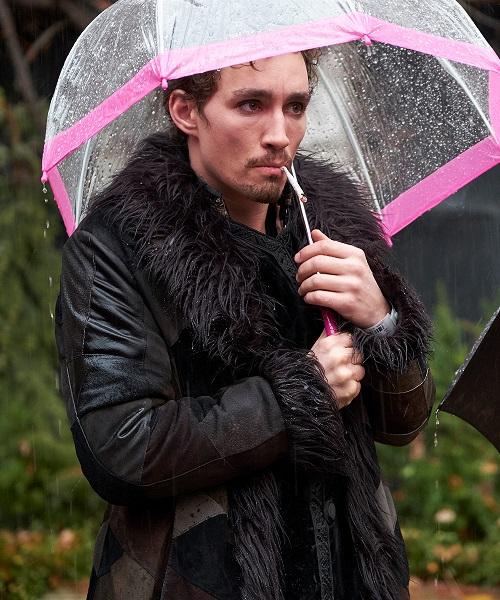 umbrella academy season one klaus