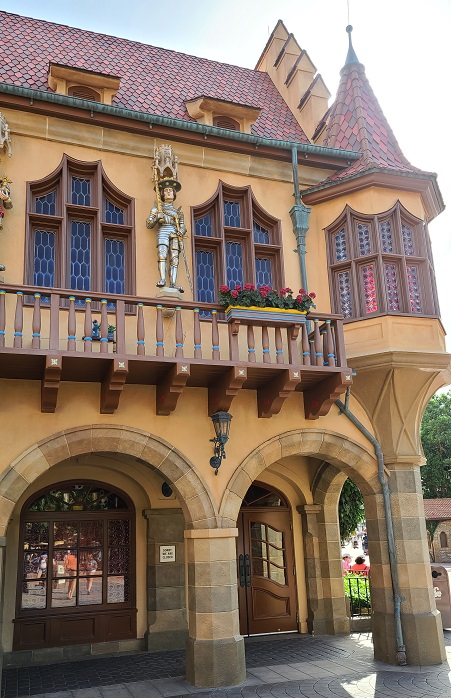 2020 food and wine remy hide and squeak epcot germany