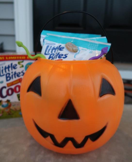 halloween boo buckets